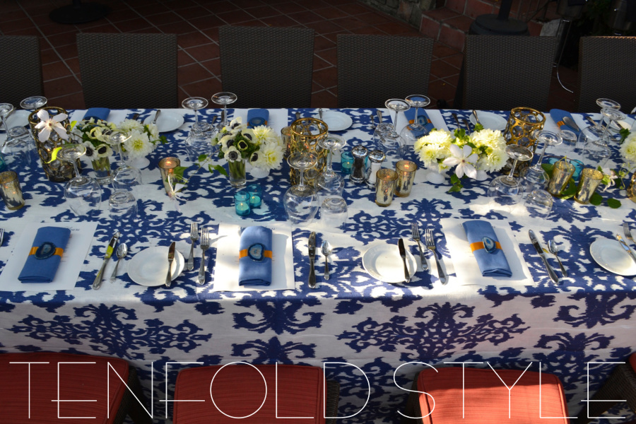 Blue and white tabletop Tenfold Style