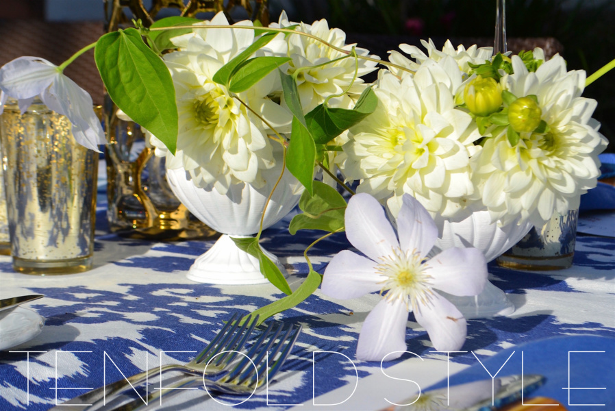 White flowers blue tablecloth Tenfold Style